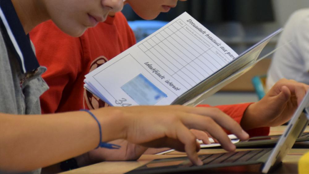 Actimage-lycéens-et-ordinateur